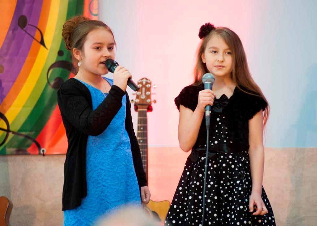 śpiewające dziewczynki